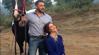 Salman Khan Is Posing With One Of His Favourite Girls
