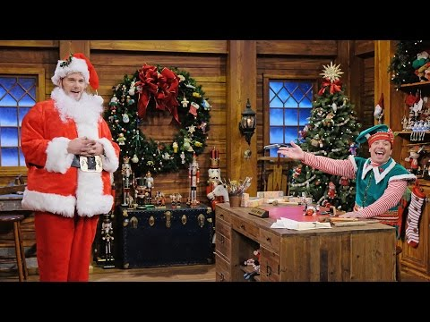 Chris Pratt and Jimmy Fallon Act Out Hilarious Game of Holiday Mad Libs on The Tonight Show