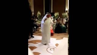 شايب وناسه يرقص في حفل شمه حمدان