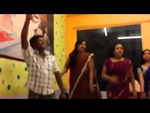 Sexy desi aunty dance with boy
