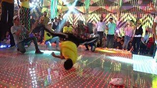 فريق مهرجنات بيرقص على مزامير الغمراوى ابهر جميع الحاضرين