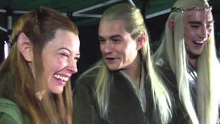 Lee, Orlando and Evangeline watching fan reactions to The Hobbit DOS trailer