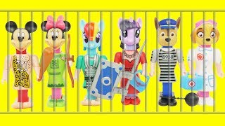 Paw Patrol Microwave PEZ CANDY DISPENSERS Jail Rescue Game Body Parts, Wrong Heads, Learning Colors