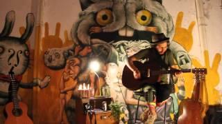 Mauricio Netti - Aqui te traigo una rosa (Victor Jara) - Ciclo Alrededor de la Fogata