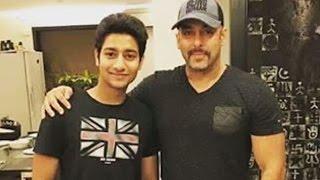 Salman Khan Meets Marathi Blockbuster Film Sairat Star Aakash Thosar