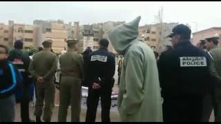 فيديو : القوات العمومية تمنع مسيرة احتجاجية نحو عمالة خنيفرة