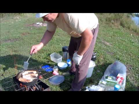 ловля рыбу на костре