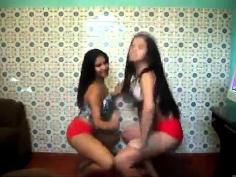 Thais e Paulinha Safadas Dançando Funk