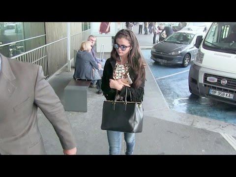 Teen idol Selena Gomez leaving leaving Paris and Justin Bieber left behind