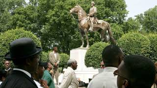 Trump defends 'beautiful' Civil War statues   News Hot Sensational Daily