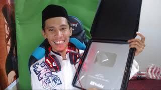 Ngabuburit   Unboxing Silver Play Button Model Terbaru Dari Youtube Keren Banget Subhanallah