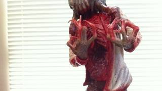 HALF-LIFE 2 Headcrab Zombie Exclusive Statue Unboxing by Gaming Heads