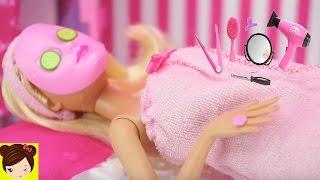 Historias con Muñecas en el Salon de Belleza - Con Barbie Elsa Ariel Rapunzel Evie- Juguetes de Titi