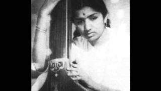 Zara Si Aahat Hoti Hai - Lata Mangeshkar