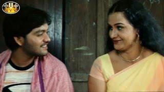 Love Scene Between Vasu & Apoorva Aunty    Itlu Nee Vennela Movie