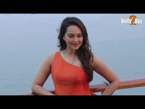 Sonakshi Sinha Hot Sexy Ramp Walk | Watch It