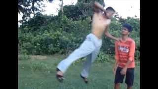 bang bang fight in cricket groung