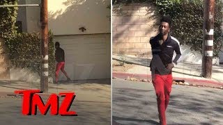 Desiigner Caught Peeing in Public on Garage Then Running Back to His Car | TMZ