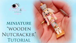 Miniature Christmas Wooden Nutcracker Tutorial - Cascanueces de Madera (Subtitulado en Español)