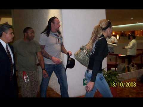 Undertaker and Michelle McCool Got Married O.O