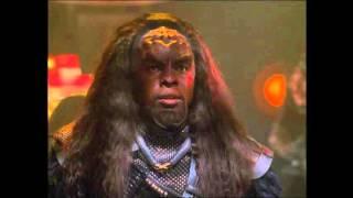 Star Trek Voyager - Voyager attacked by Klingon battle cruiser