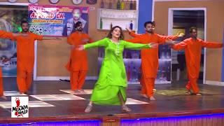 KHUSHBOO'S MOST BEAUTIFUL MUJRA - THAND LAGDI MENU - 2017 PAKISTANI MUJRA DANCE