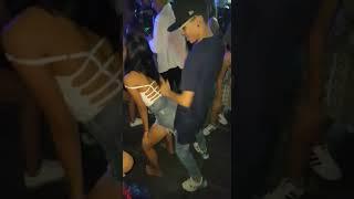 Casal dançando funk