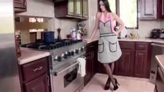 Porn Star - Brazzers - Mommy Got - Vanilla Deville and Bruce Venture - Moms Cream