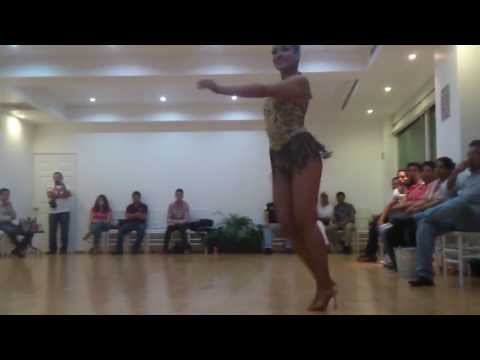 Xxx Mp4 1er Lugar Laura Aguirre 2da Competencia Lady Shines Social Dj Sabor Salsero 3gp Sex