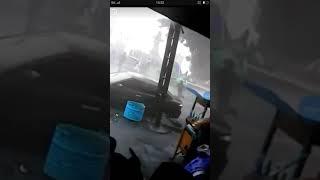 Rekaman detik detik angin puting beliung di banjarnegara baru saja 08/11/2017