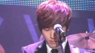 [Fancam] 2010.01.14 C.N. Blue Debut Showcase - Now or never (Yong Hwa focus)