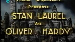 """طنز لورل و هاردی""""اشتباه اول آنها """""""
