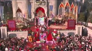 Miley Cyrus performs Santa Claus Is Coming To Town - Disney Channel Parade 2008