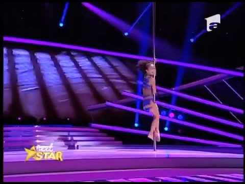 niña baila chingon tubo en un show de televisión
