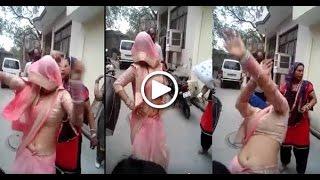 Desi Bahu ka yeh dance hua viral