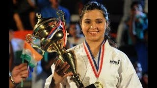 Karate Champion SYEDA FALAK TRAINED GIRLS FOR SELF DEFENCE | 7H News | Hyderabad