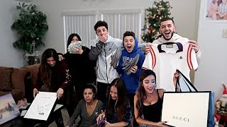 INSANE CHRISTMAS GIFTS OPENING W/ MOLLY AND MY FAMILY!! | FaZe Rug