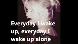 The Pretty Reckless - Kill Me (Lyrics)