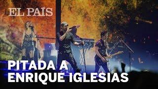 Enrique Iglesias enfada al público en Santander | Cultura