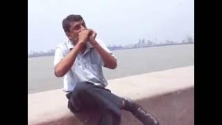 BEST INDIAN  HARMONICA PLAYER AT MUMBAI MARINE DRIVE