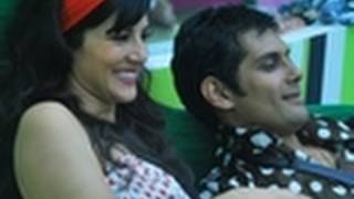 Amar Upadhyay gets COZY with Sunny Leone in Bigg Boss 5