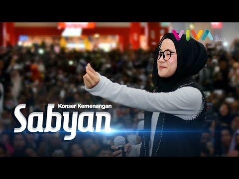 Lautan Manusia di Konser Sabyan Gambus, Nissa Sabyan Sampai Menangis!