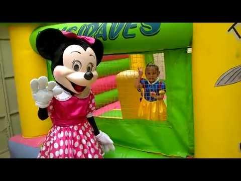 Payasos y Botargas presents Mimi Mouse