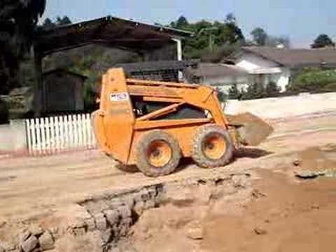 Excavator Bob Case Saneamento.