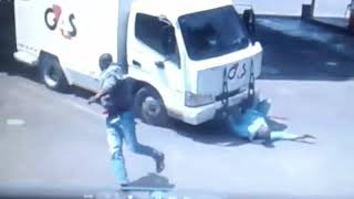 Must Watch : Robbers Try To Rob A Cash In Transit Truck