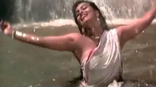 Shilpa Shirodkar Wet boob.avi
