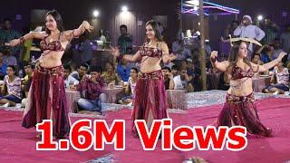 Dubai Desert safari - Belly dance by Veronica