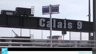 وزير الداخلية الفرنسي يزور مدينة كاليه سعيا لمنع تدفق المهاجرين إليها من جديد