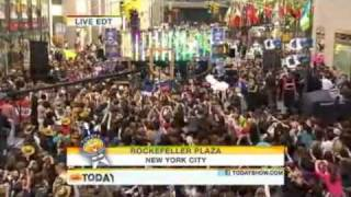 Taylor Swift - Mine live Today Show October 2010