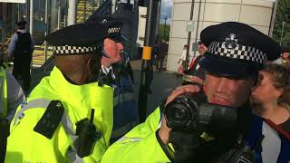 London police helping the DSEI arms fair to proceed